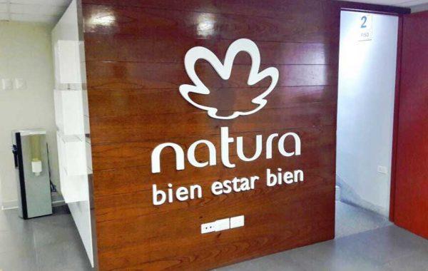 Fabricación de letras block NATURA - Centro de atención JESUS MARÍA - lima 2019 Suma Publicidad